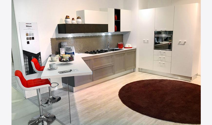 Outlet arredamento brescia cucine in offerta for Arredamento completo berloni